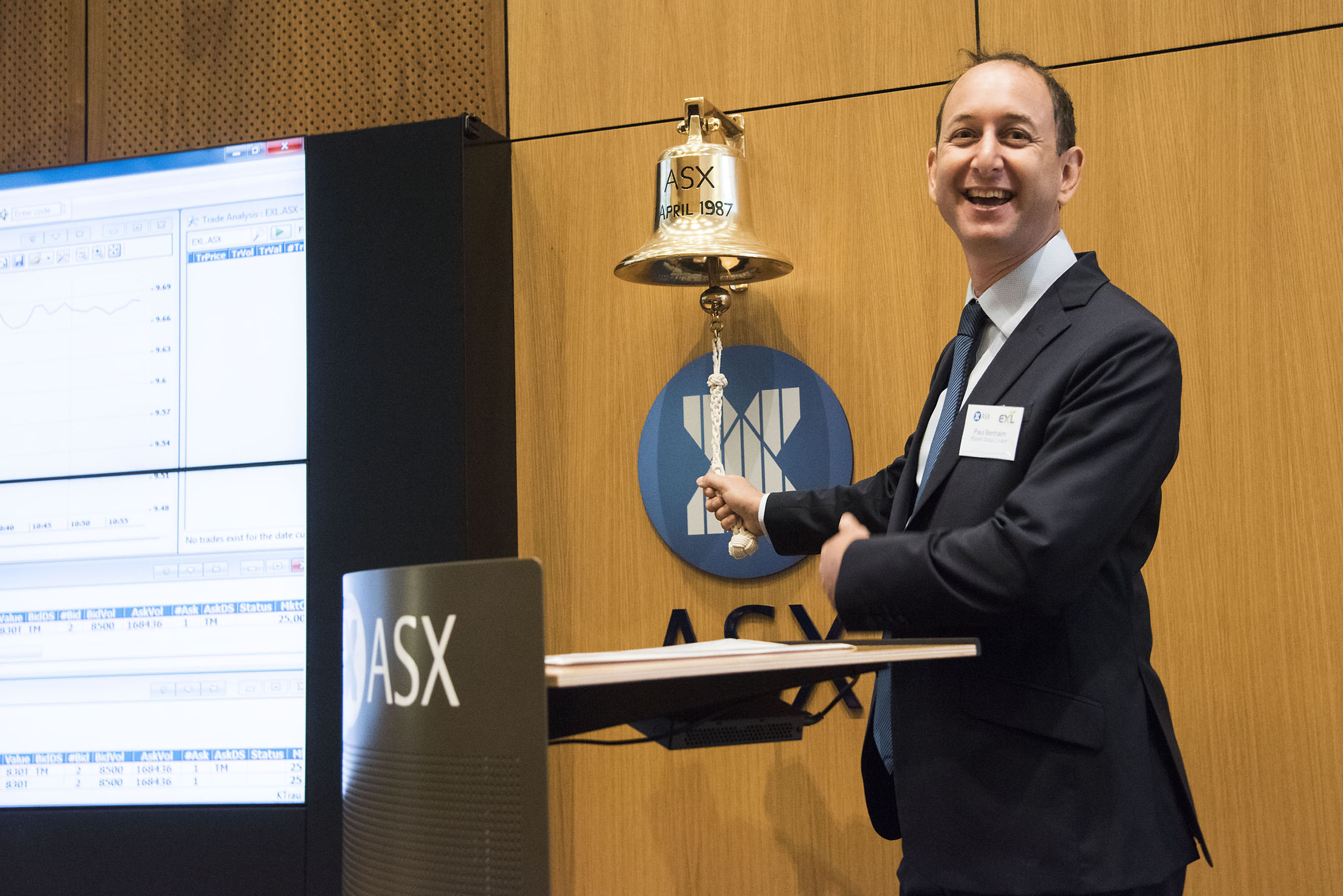 Elixinol CEO Paul Benhaim rings bell at ASX listing