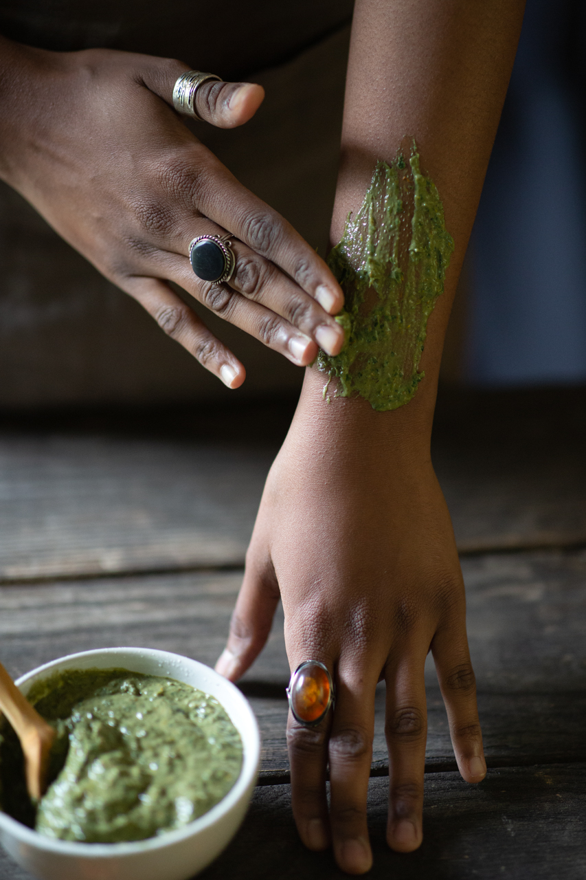 Soothing herbal poultice