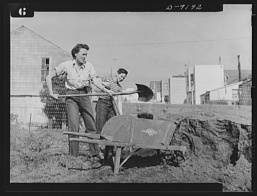 victory-gardens-for-family-and-country-these-victory-gardeners-are-transferring-1024
